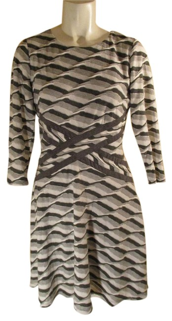 Preload https://img-static.tradesy.com/item/18275638/beige-by-eci-grey-and-white-34-sleeve-knit-knee-length-workoffice-dress-size-6-s-0-1-650-650.jpg