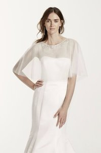 Tulle Cape With Detailed Neckline