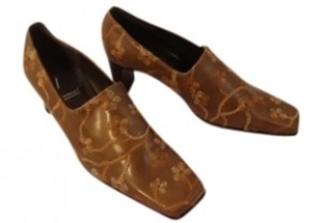 A. Marinelli Tan Unique New Spanish Mocha Leather Embroidered Slip Ons Pumps Size US 6.5 Regular (M, B) A. Marinelli Tan Unique New Spanish Mocha Leather Embroidered Slip Ons Pumps Size US 6.5 Regular (M, B) Image 1