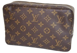 Burberry Authentic Louis Vuitton Cosmetic Pouch Poche Trousse Toilette 23 Made in France Browns Monogram PVC leather