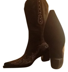 Roper Rockstar These Are Dark Studs On Front A Horseshoe These Have Brown with Pink Stitching Boots
