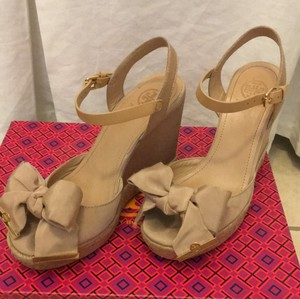 Tory Burch Bow Platform Nude Wedges