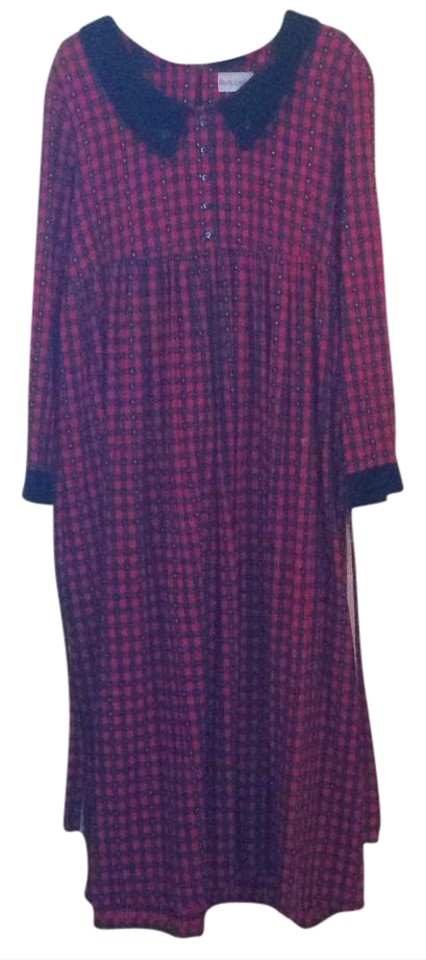 a2ceadaaee Red Holiday Long Casual Maxi Dress Size 6 (S) - Tradesy