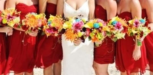 Preload https://img-static.tradesy.com/item/183007/tropical-6-bridesmaid-bouquets-other-0-0-540-540.jpg