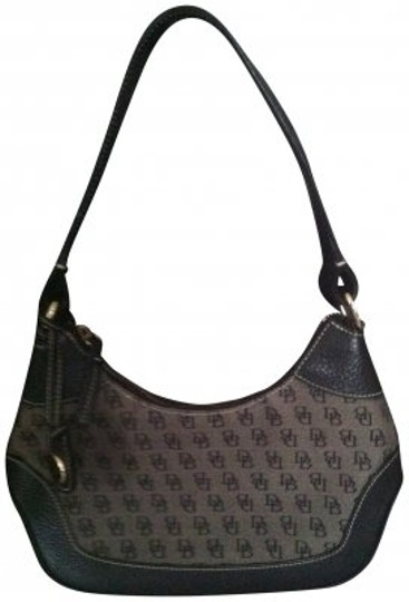 Preload https://item2.tradesy.com/images/dooney-and-bourke-small-signature-black-hobo-bag-183011-0-0.jpg?width=440&height=440
