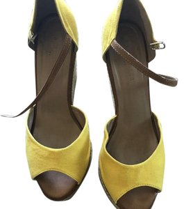 Ann Taylor Linen Wedge Size 8 Yellow Wedges