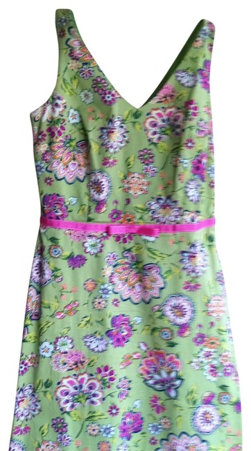 Preload https://item1.tradesy.com/images/green-floral-short-casual-dress-size-12-l-183040-0-0.jpg?width=400&height=650
