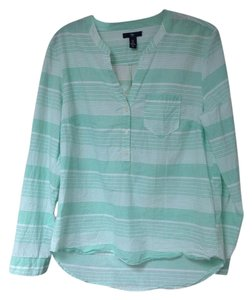 Gap Top Green white