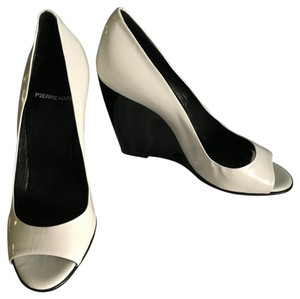 Pierre Hardy White and black Wedges