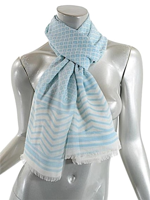 Item - Blue and White Ivory/Pale Wool Geometric Pattern Scarf/Shawl Scarf/Wrap