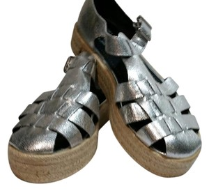 Circus by Sam Edelman Metallic Platform Espadrille Sole Closed Toe Buckled silver Sandals