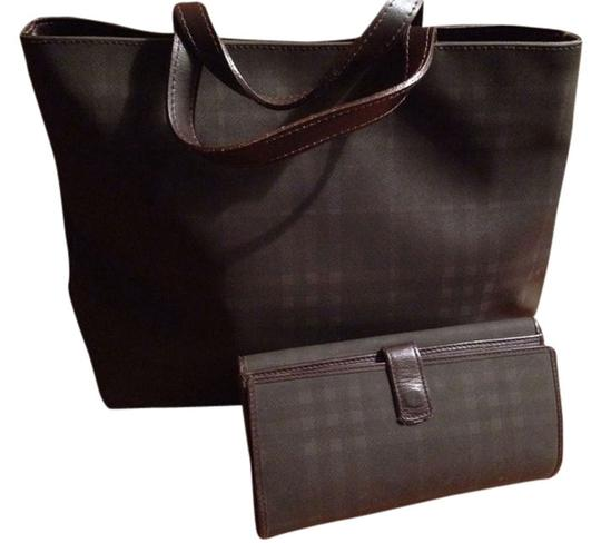 Preload https://item3.tradesy.com/images/burberry-wallet-set-chocolate-canvas-and-leather-tote-1832932-0-0.jpg?width=440&height=440