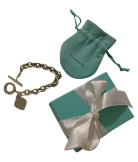 Preload https://item2.tradesy.com/images/tiffany-and-co-silver-return-to-heart-tag-charm-bracelet-18331-0-0.jpg?width=440&height=440