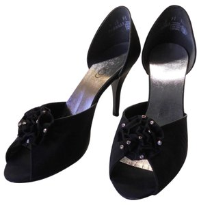 Connie Elegant Only Worn Once Upscale Unique Style BLACK Pumps