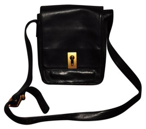 Perlina Shoulder Bag