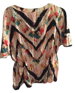 BCBGMAXAZRIA Top Chevron black, green, pink