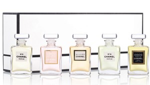 Chanel FRAGRANCE WARDROBE PARFUM NO 5 19 COCO MADEMOISELLE ALLURE MINI