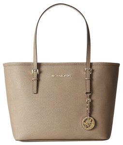 b0a229eb107973 Added to Shopping Bag. Michael Kors New With Unmarked Tag Super Sturdy  Scratch Resisitant Cross Hatched Saffiano Leather Tote in. Michael Kors Jet  Set ...