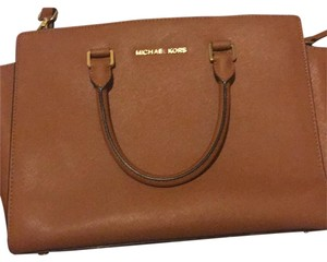 MICHAEL Michael Kors Satchel in Chestnut