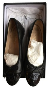 Chanel Vintage Leather Patent Cc Logo Ballet Black Flats