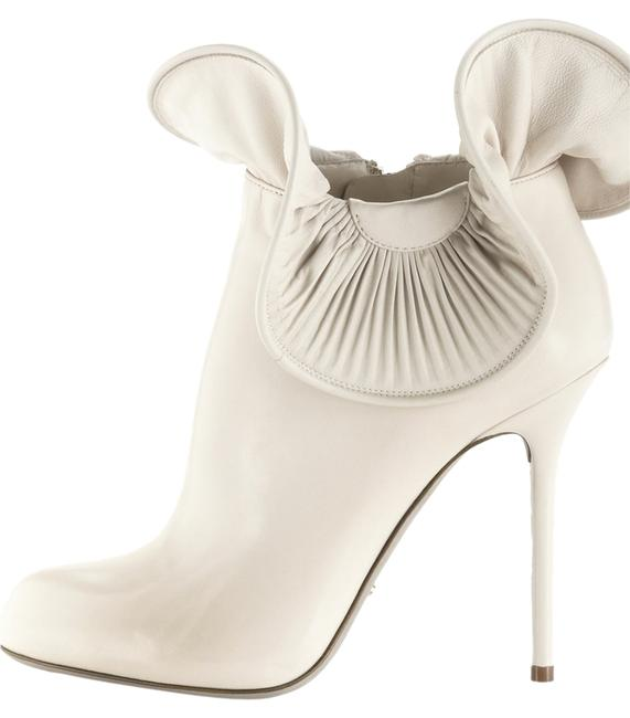 Item - Beige Ivory/Desert Ruffled Ankle Boots/Booties Size US 8 Regular (M, B)