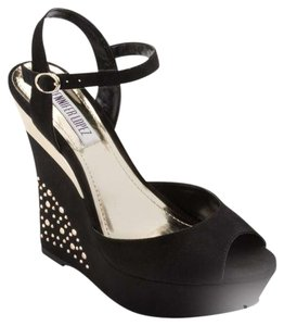 Jennifer Lopez Black/Gold Wedges