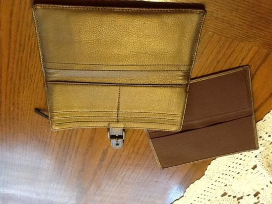 Kennet Cole/ reaction Reaction Wallet and free matching check book cover with purchase of wallet