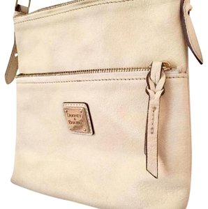 Dooney & Bourke & Leather Compact Cute Shoulder Bag