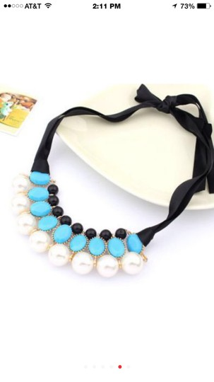 Boutique Sweet Pearl Statement Necklace