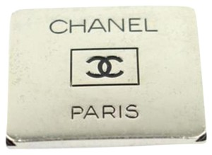 Chanel CC Brooch 11CCAA802