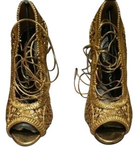 Tom Ford Leather Woven Lace Up Gold Pumps