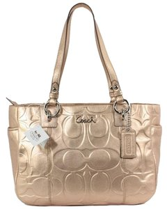 Coach Signature Tote in Gold