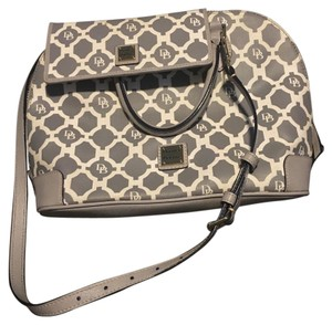 Dooney & Bourke Tote in Grey And White