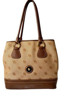 Dooney & Bourke Large Shoulder Bag