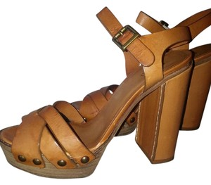 Chloé Studded Hardware Small Saddle Stitch Made In Italy Leather Natural Platforms