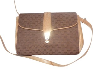 Gucci Great For Everyday Two-way Style Gold Hardware Early Cross Body Bag