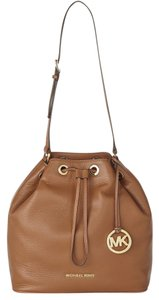 Michael Kors Jules Large Crossbody Drawstring 888235575353 30f4gjll3l Shoulder Bag