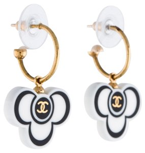 Chanel Gold-tone Chanel interlocking CC logo drop earrings