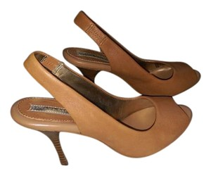 Banana Republic Tan Pumps