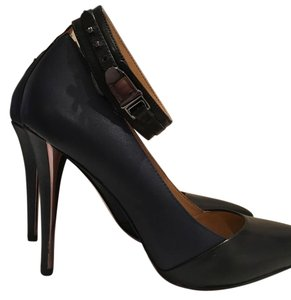 Coach Black and Navy Pumps