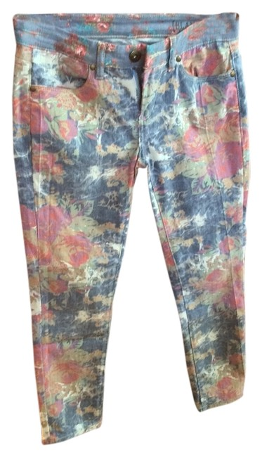 Item - Floral - Blue White Pink Beige Light Wash Capri/Cropped Jeans Size 25 (2, XS)