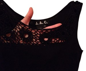 JAC Top Black