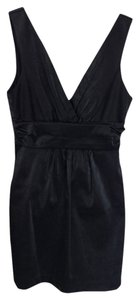 Forever 21 Sleeveless V-neck Mini Lbd Dress