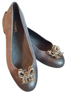 Chanel Taupe and gold. Flats
