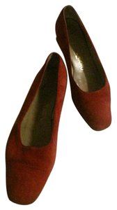 Salvatore Ferragamo Comfy Classic Dressy Or Casual Gold Trim Ballet Almond Toes red suede Flats