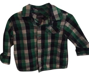 Kenneth Cole Reaction T Shirt Green plaid pattern