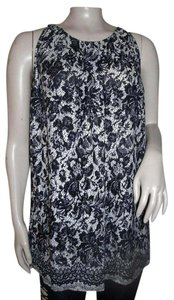 Violet & Claire Sleeveless Dressy Top Cream and Black