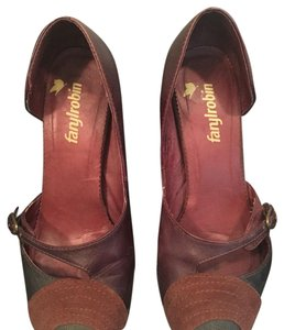 Farylrobin Brown plum Pumps