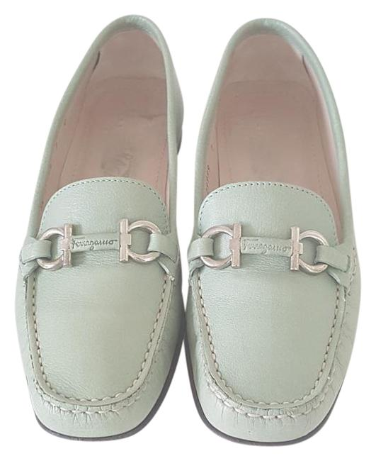 Item - Green Leather Loafers Flats Size US 7 Wide (C, D)
