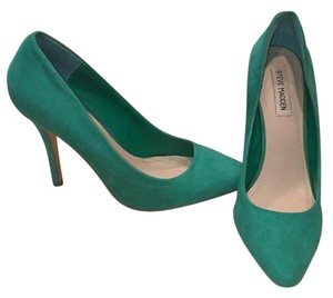 Steve Madden Green Pumps